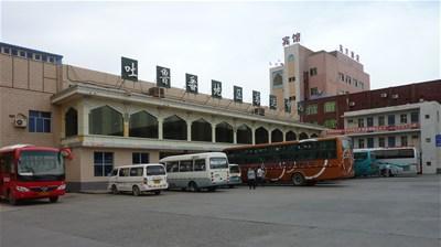 トルファンのバスターミナル