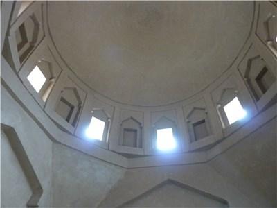 ドームの上部を内部から撮影