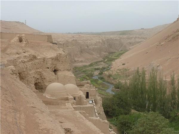 ベゼクリク千仏洞の全景