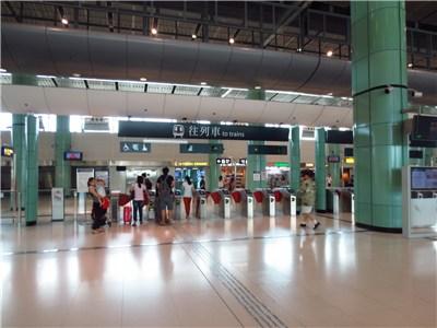 落馬洲駅の改札口
