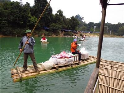 ベトナム人の土産物売り