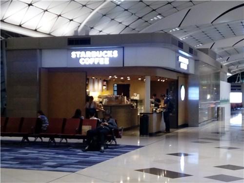 空港内のスタバ