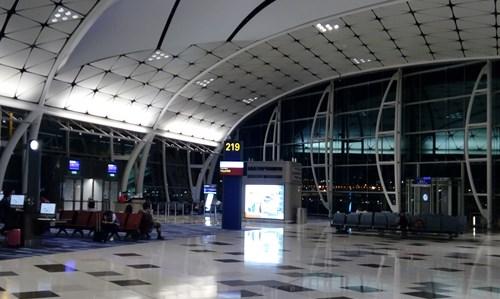 香港エクスプレスの乗り場は一番奥